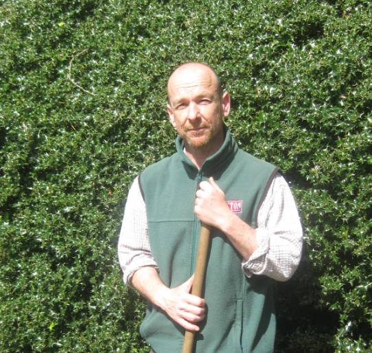 Simon Tetlow, Tatton head gardener - web file